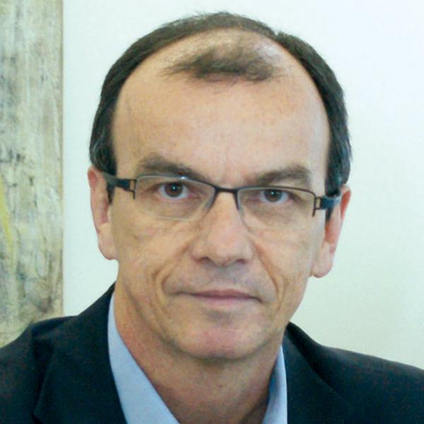 Renato Veras; ?>